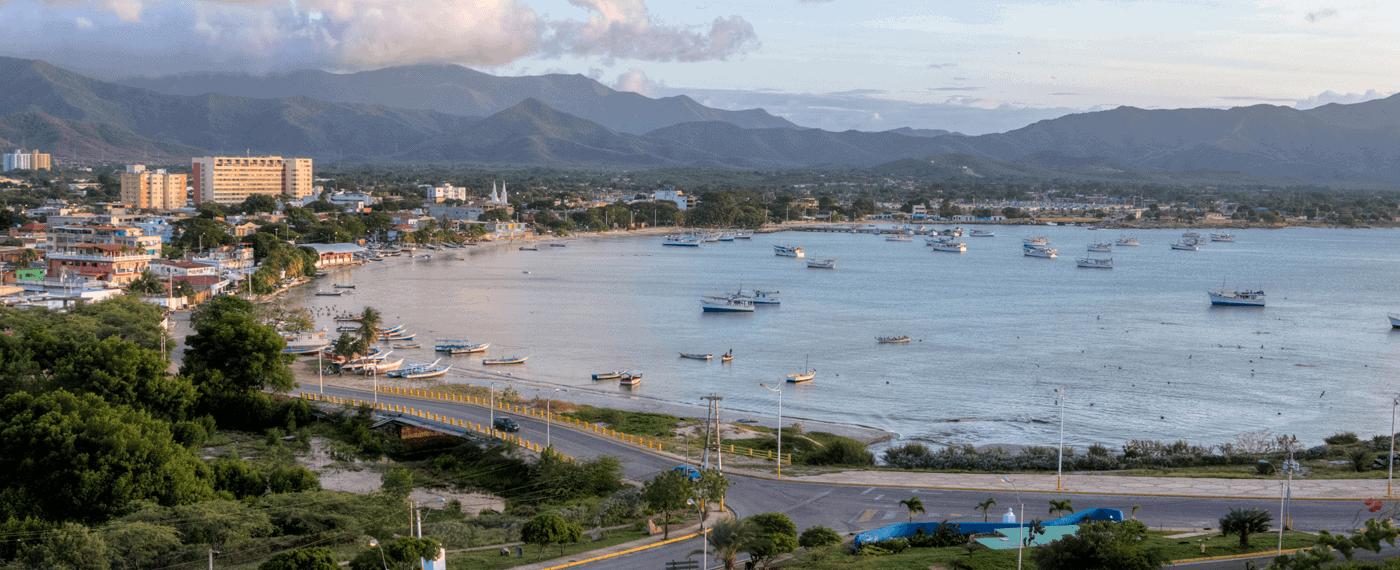 Bahía de Juan Griego, Estado Nueva Esparta, Venezuela. Fotografía de Carlos Jose Ramirez